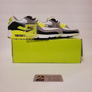NEW Women's Nike Air Max 90 - Volt